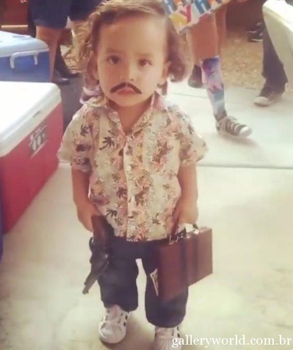 a99498_Little-Pablo-Escobar
